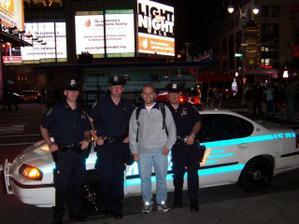 Honzík a policisté z N.Y. USA