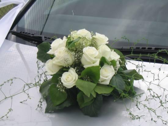 L+M náš veľký deň 15.9.2007 - na auto aj krásna kytička