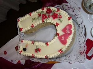 jeden z dortíků