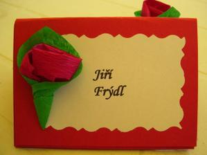 Moje šikovná svědkyně vyrobila jmenovky na svatební stůl.