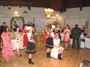cepcili ma moje spolutanecnicky so suboru :) kym som tancovala tak som cepcila ja :o)