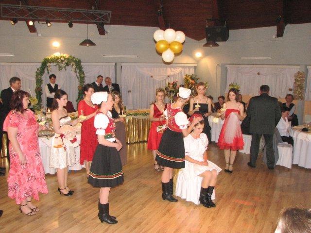 Petka{{_AND_}}Miro - cepcili ma moje spolutanecnicky so suboru :) kym som tancovala tak som cepcila ja :o)