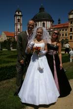 S bratříčkem a sestřičkou (zdravotní - švagřicí)
