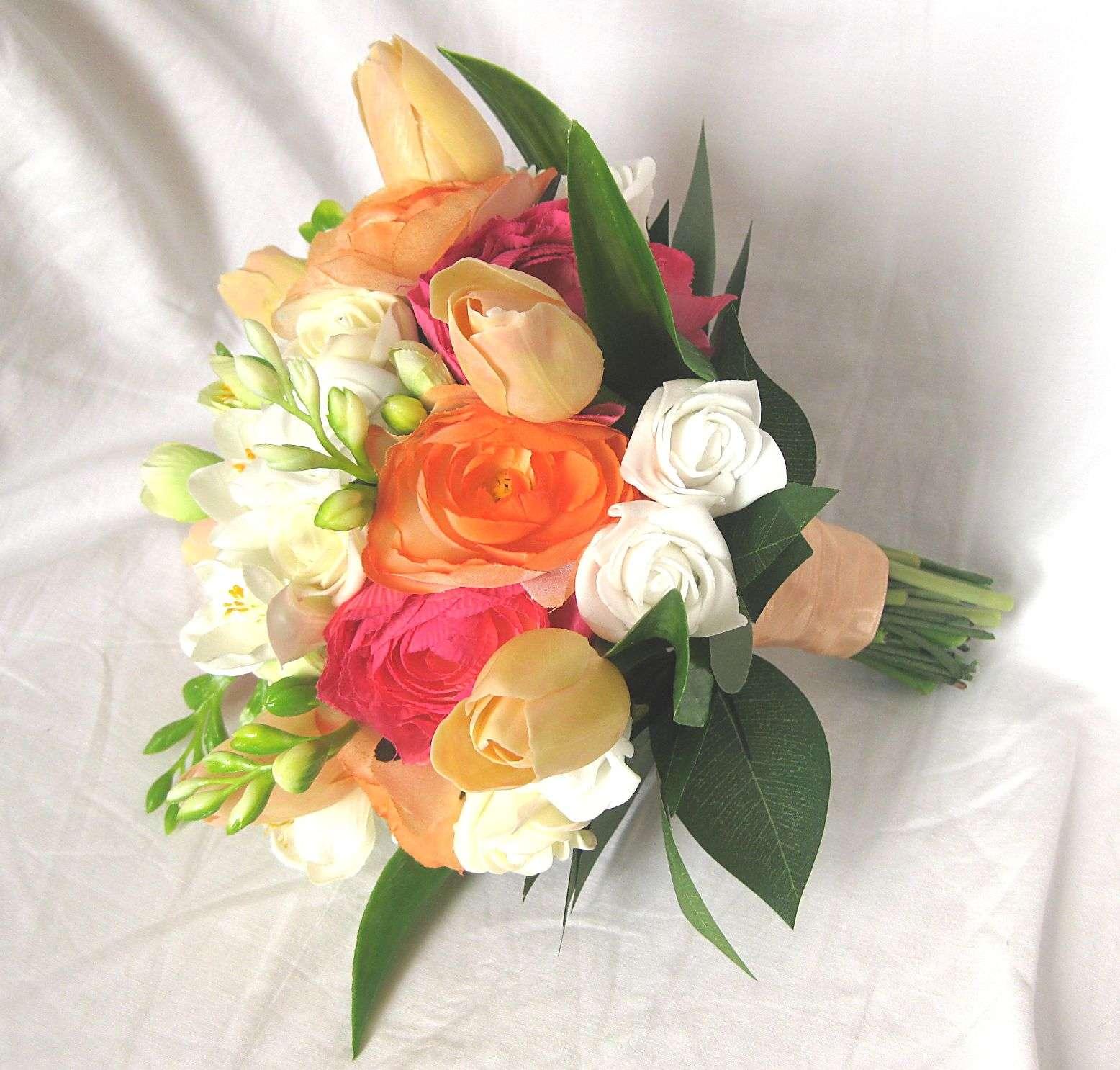 Svatební kytice - tulipán, ranunculus, frézie - Obrázek č. 1