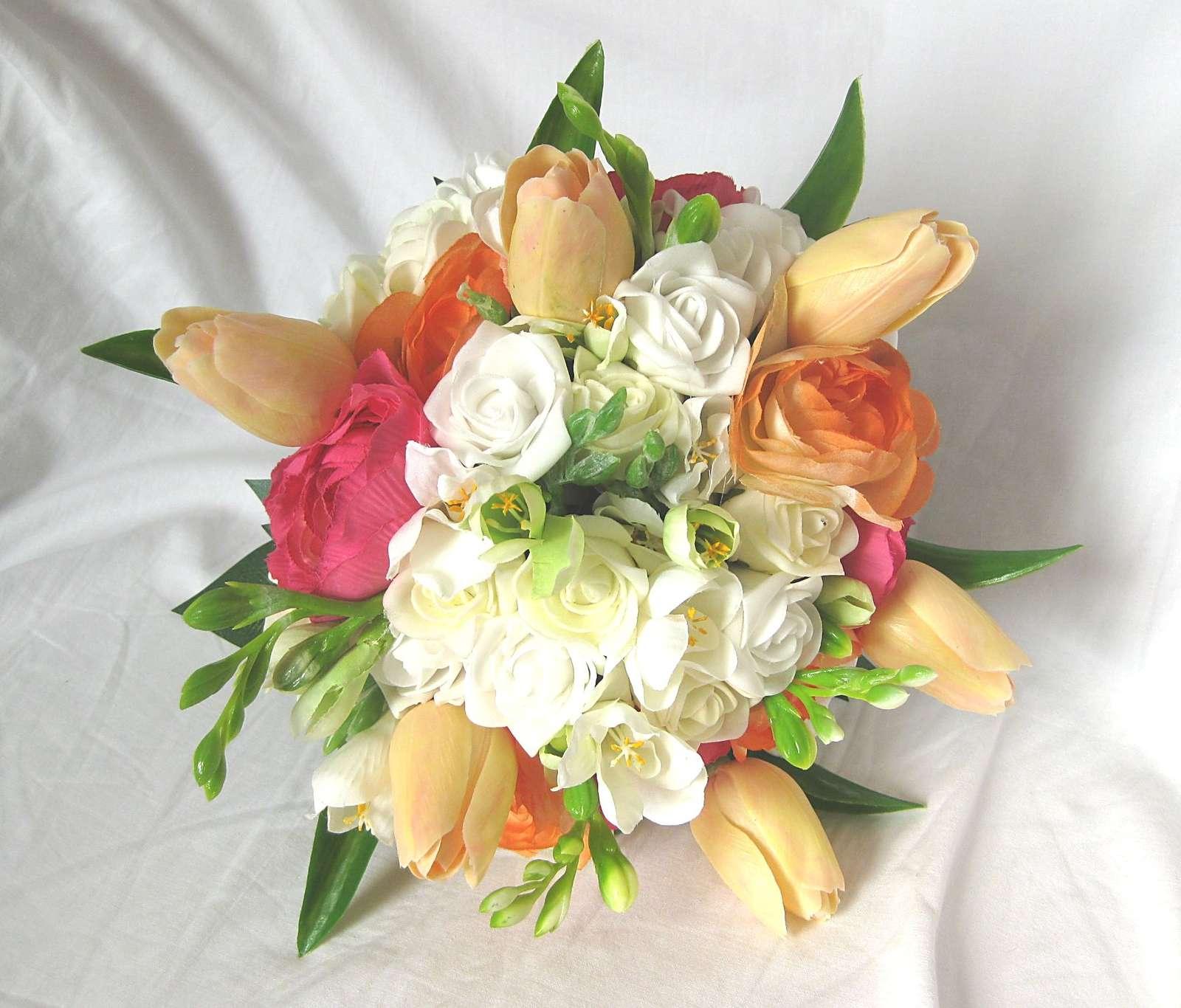 Svatební kytice - tulipán, ranunculus, frézie - Obrázek č. 2