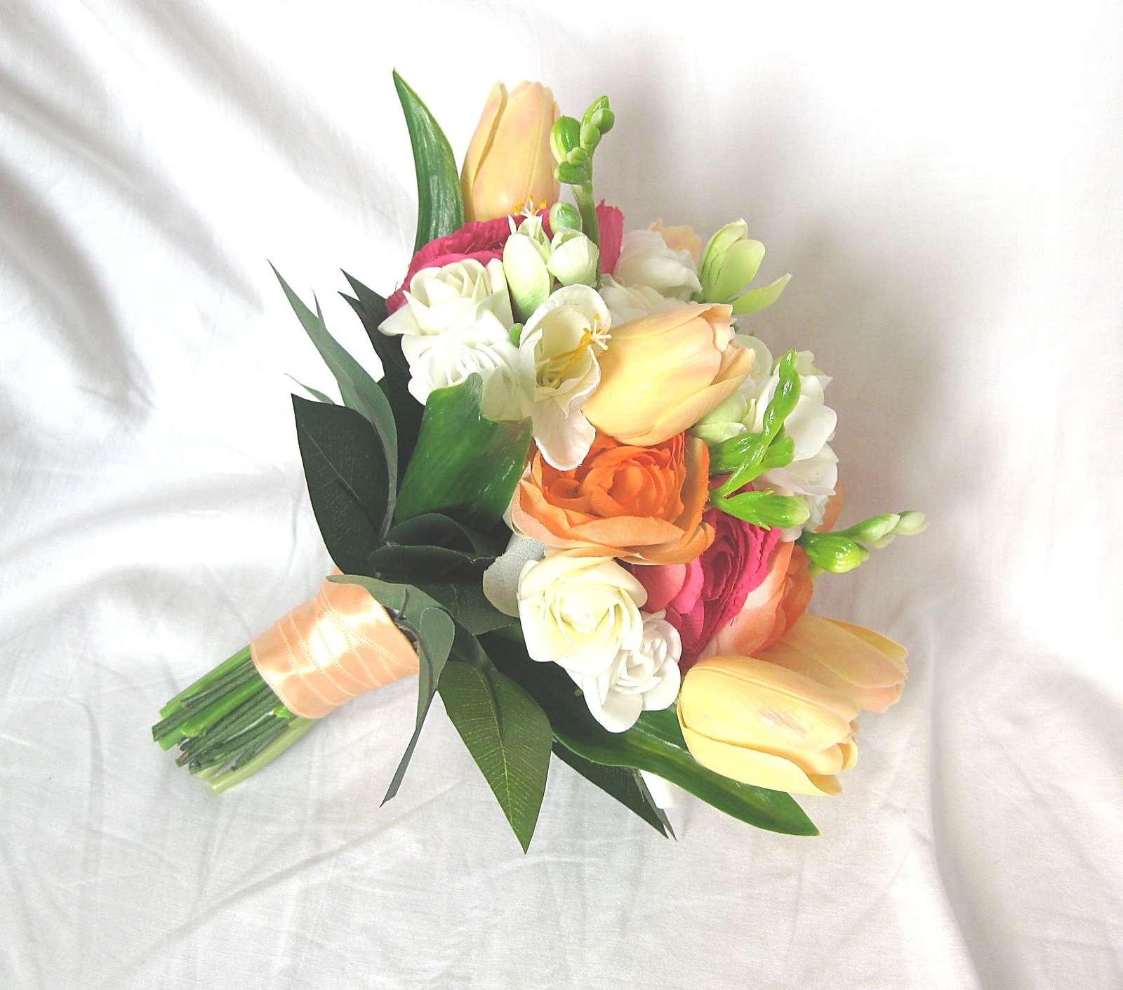Svatební kytice - tulipán, ranunculus, frézie - Obrázek č. 3