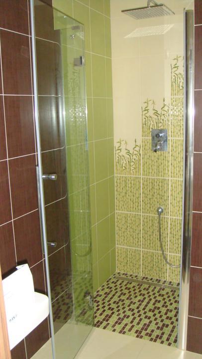 Bývame :-) - technická - sprcha