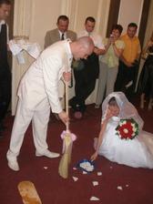 Aj ked je Steve Anglican, slovenske tradicie mu nerobili problemy hihi :)