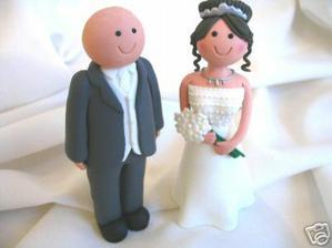 Postavicky na torte...no nevyzeraju ako my dvaja hihi :)
