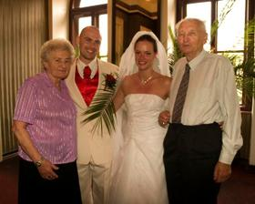 Moji najperfektnejsi stari rodicia!!!! Taki bolo hrdi :)