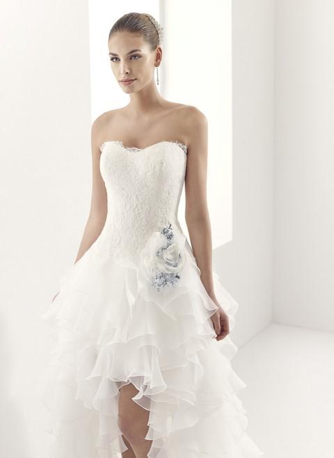 00933252d122 Výpredaj svadobných šiat v cenách 149 - 190 EUR - Svadobné šaty výpredaj  Svadobný salón Valery -