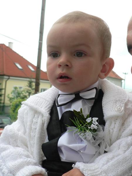 Naša svadba 24.11.2007 - nas malý svadobčan, ale zato najkrajší :) draheho krstniatko
