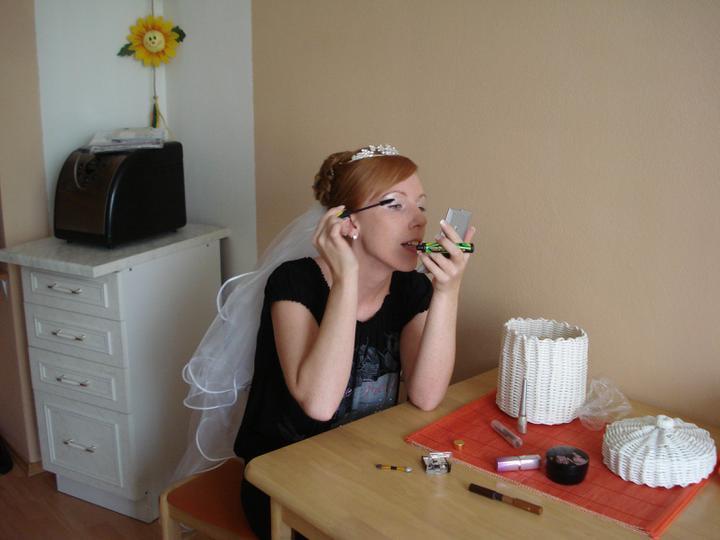 Štefánia{{_AND_}}Ferino - rýchly make-up :)))