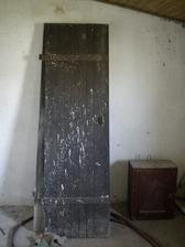 Dnes som našla tieto dvere na družstve v maštali.. len neviem čo s nimi..