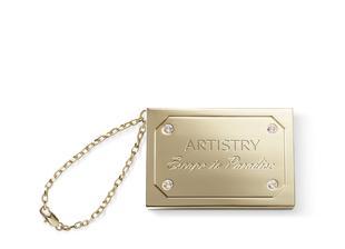 Artistry Lesk na pery duo v luxusnom puzdre pozlátenom 24-karátovým zlatom, ktoré je pre jedinečnú eleganciu doplnené trblietavými krištálmi značky Swarovsky, je absolutne uuuuuzasny :)