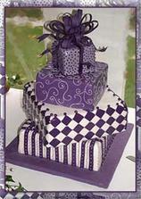 hezký dort-takový fialový a bizarní:-)