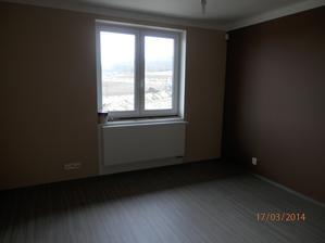 ložnice i s podlahou