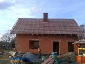 už se dělá střecha