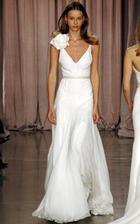 svoje svadobné šaty si predstavujem velmi jednoduché-romantické