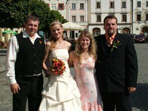 s bratrem ženicha a jeho ženou