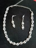 štrasový set - náhrdelník + náušnice,