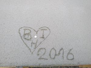 tak uz nam to tuhlo tak som este raz dal Euracko do betonu aby nam nechybalo a zapisal som nase srdcia, Boris, Ivka a mala Hanka ;)