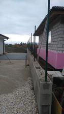 24.10.2016 osadznia a betonovanie plotových tyciek ;-)