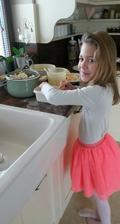 keď obed pripravuje najmenší člen našej rodiny ...👫👭💗 😘