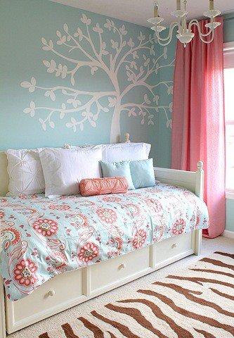 Takéto bývaníčko by som aj brala :-) - Stenu takú nemusím,ale posteľ je super !!!