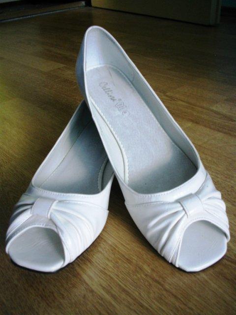Prípravy na svadbičku - ked ma budu boleť nožičky..-)