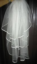 závoj s lemovaným- smotanový ručne šitý po 19.9 predám