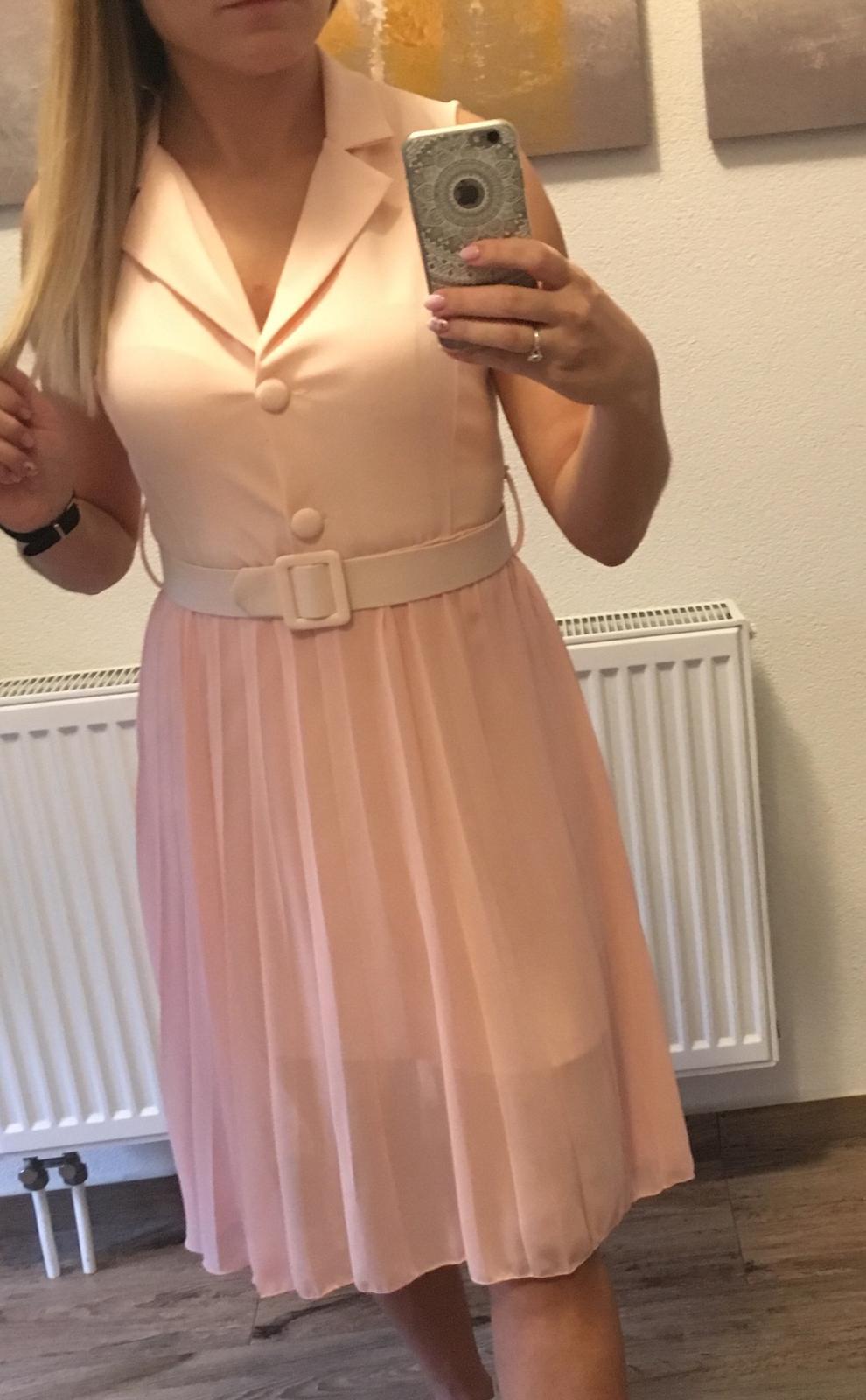 Šaty s plisovanou sukňou - Obrázok č. 4