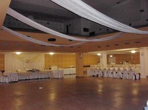 svadbna hostina bude tu...vyzdoba samozrejme ina  :)