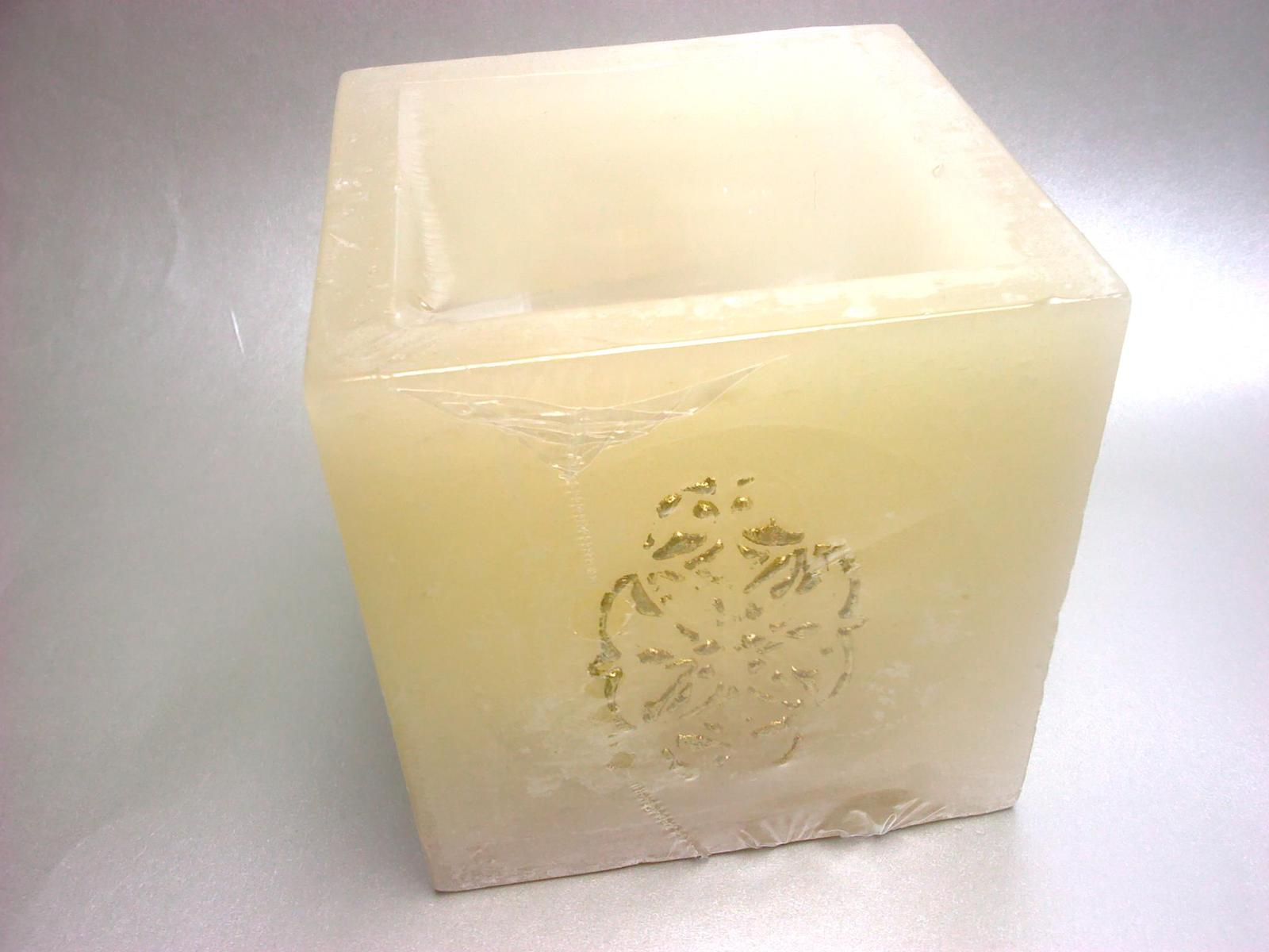 Naša Handmade :) - Ešte drobnosti do vyzdoby... Je to akože sviečka, ale funguje ako svietnik na čajovú sviečku :)
