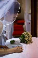 Manželstvo je krásny celoživotný záväzok, tak to treba potvrdiť aj písomne :)