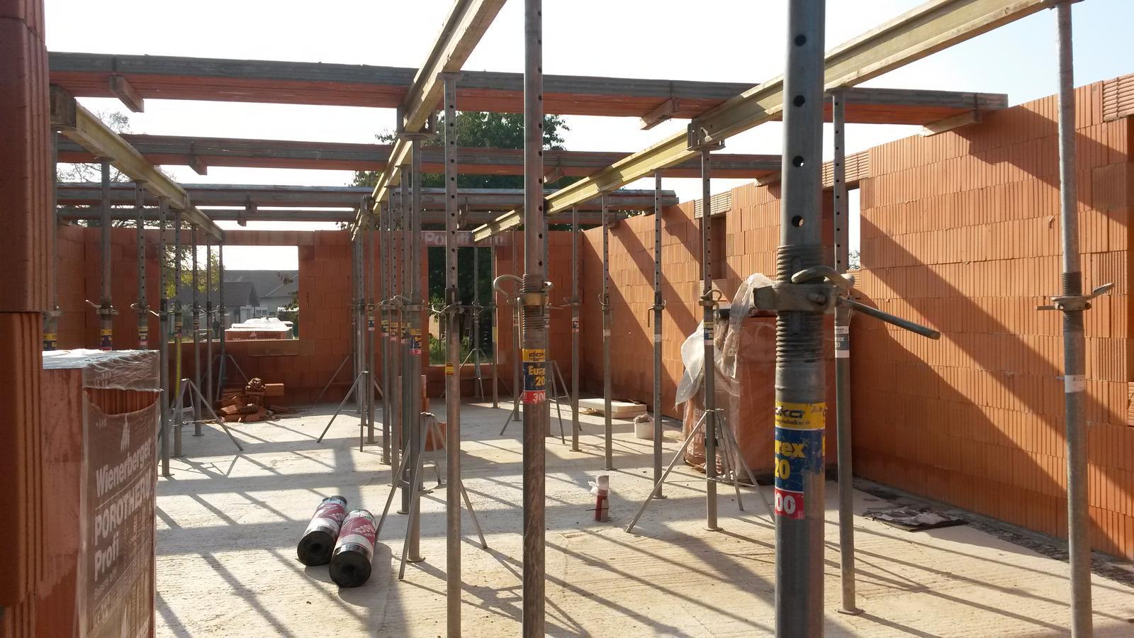 Naša stavba - Keramický strop  po chvíľkovej prestávke September 2015