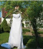 Svatební šaty s vlečkou, 42