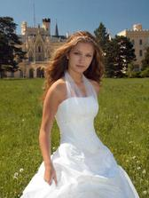 A kdyby ty 3 šaty zklamali, jedu do Hranice na Moravě pro tyhle!  :-))