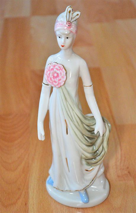 Figurka / postavicka, porcelanova dama - Obrázok č. 1