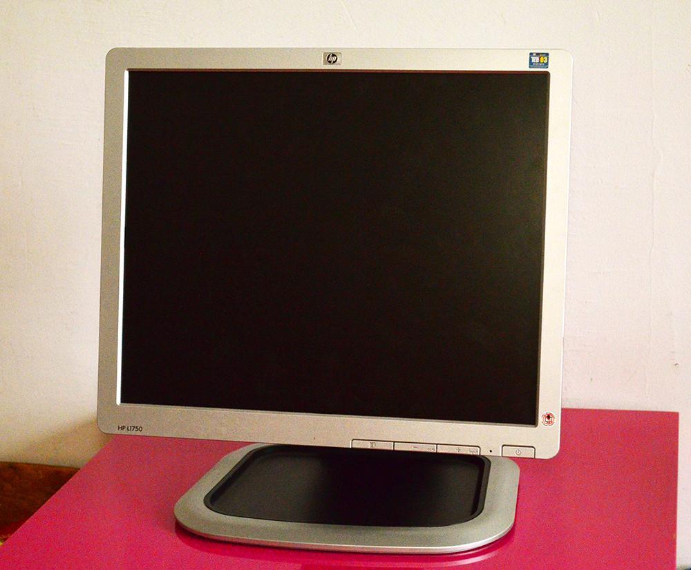 """17"""" LCD monitor HP - Obrázok č. 1"""