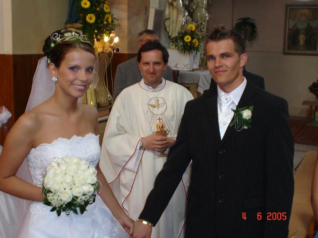 Majka{{_AND_}}Mirko - vychádzame z kostola