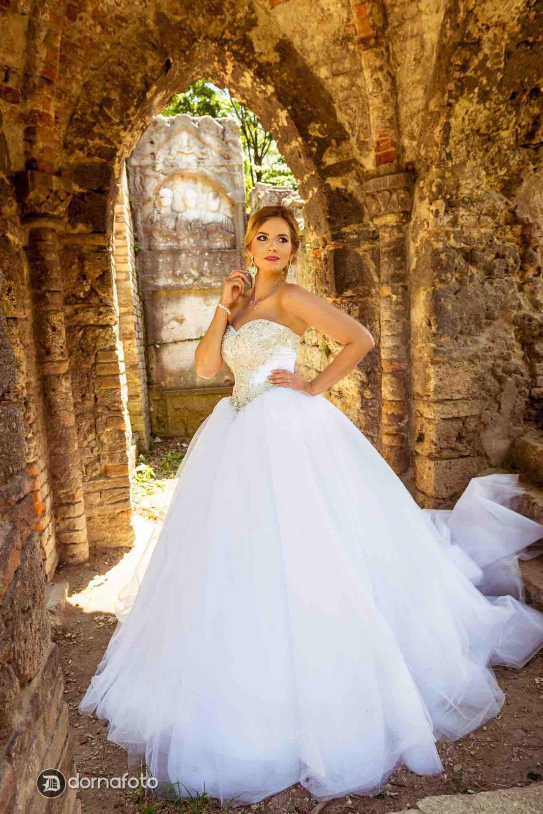 svadobne saty Natasha Azariy - Obrázok č. 2
