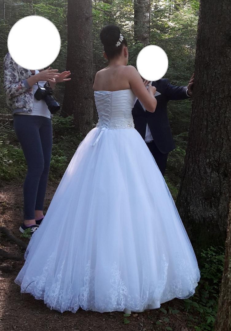 Pohodlné biele svadobné šaty - Obrázok č. 4
