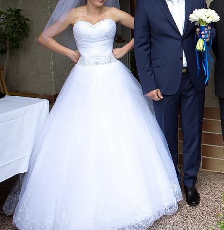 Pohodlné biele svadobné šaty - Obrázok č. 1