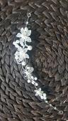 Spona perličky a kamínky, květy,