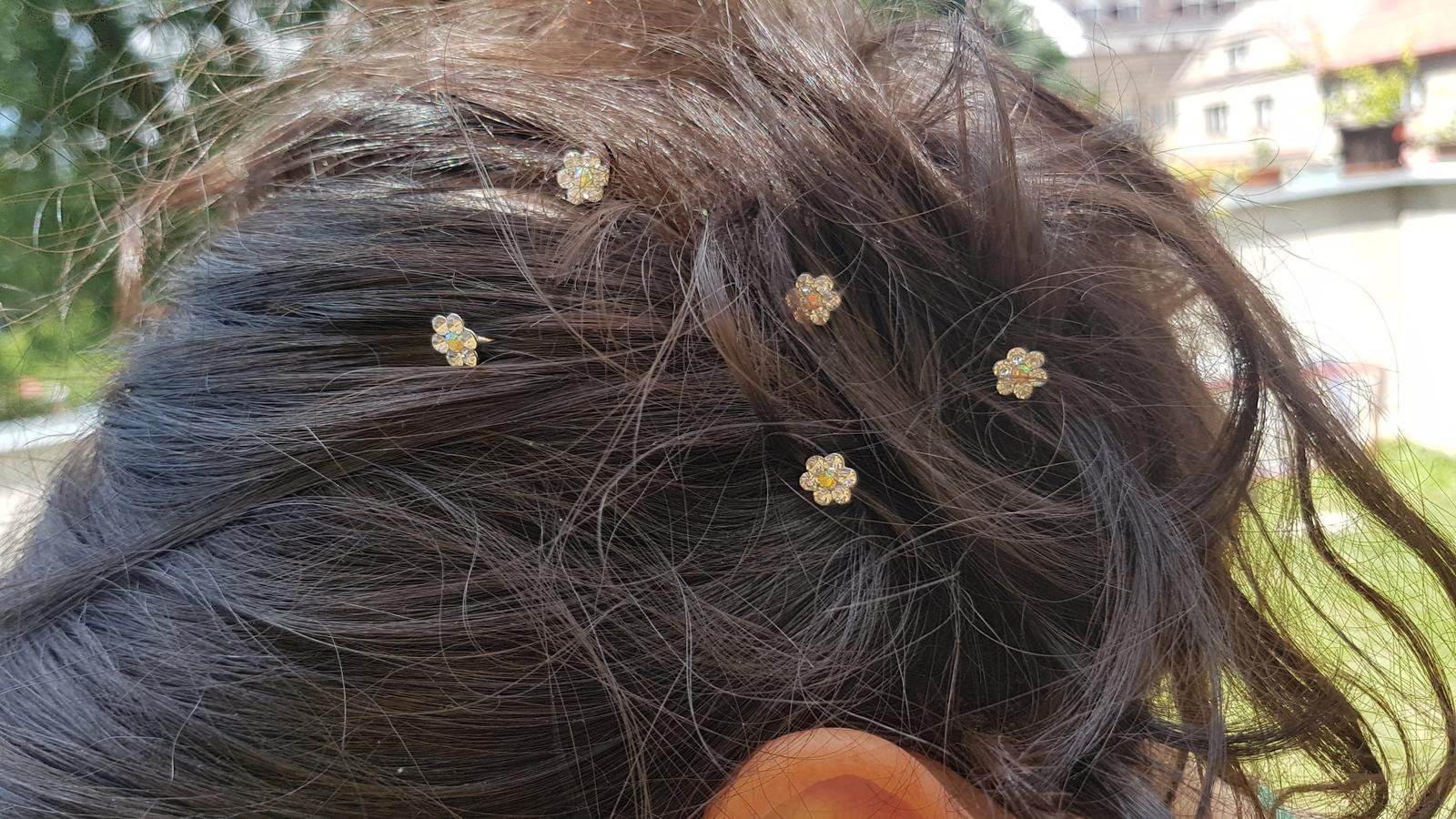 Kytičky do vlasů z kamínků drobné malé - Obrázek č. 2