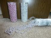 řetězy z perel,
