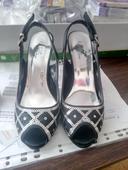 Černé sandálky, 37