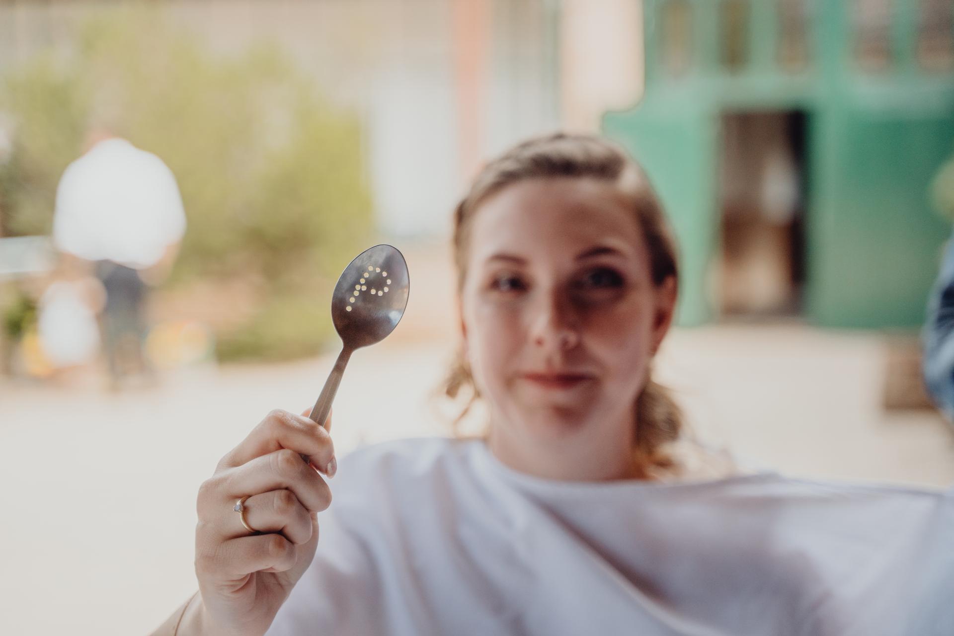 Petra {{_AND_}} Petr - Speciální lžíce na polévku přímo vyrobená pro nás od našich přátel.