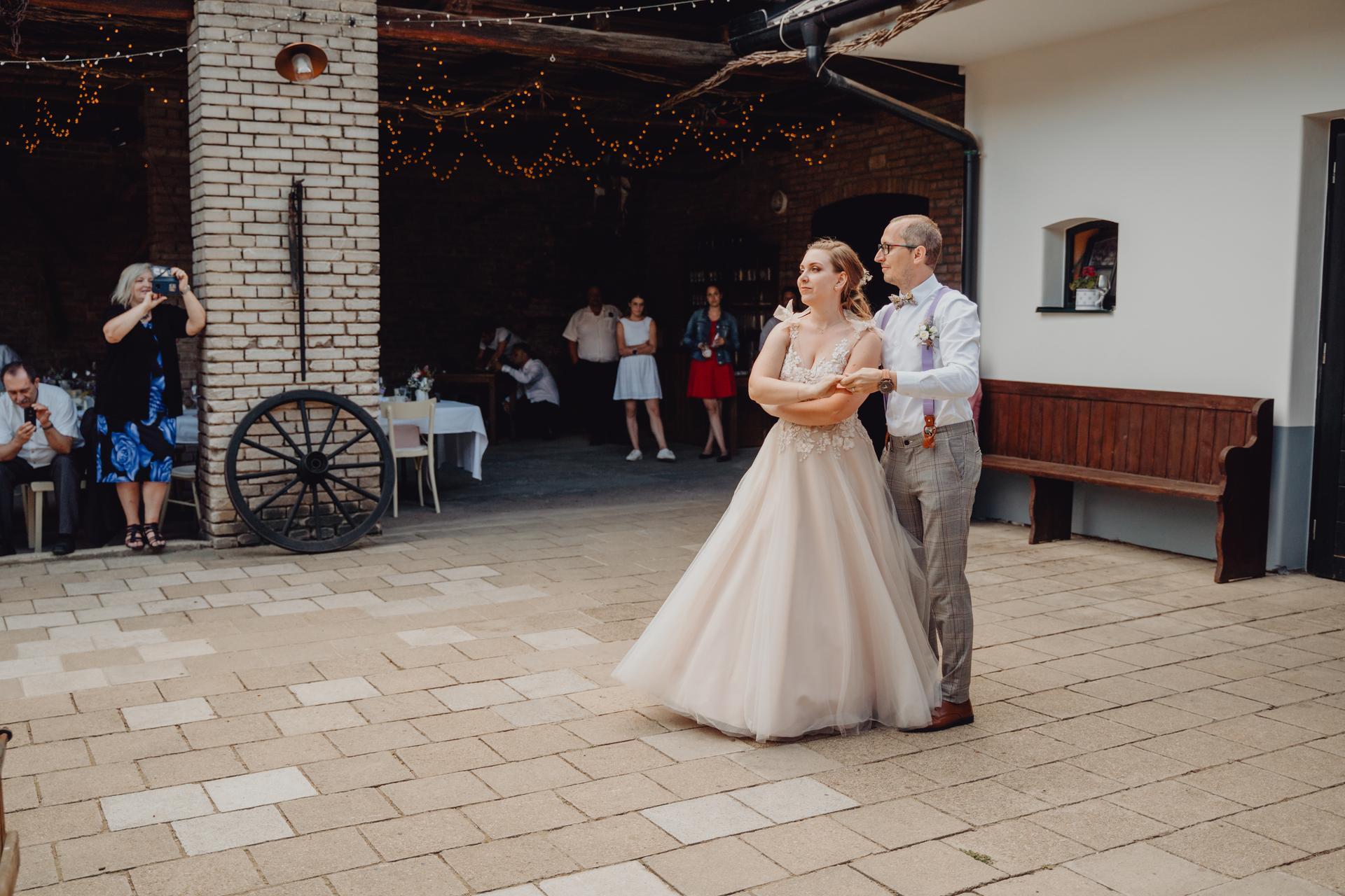 Petra {{_AND_}} Petr - Chodili jsme na soukromé lekce tance, takže jsme měli vlastní choreografii.